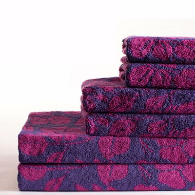Floral Fuchsia in Purple Base Towels Supplier